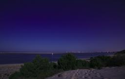 Le Cap Ferret de nuit. Source : http://data.abuledu.org/URI/55ee2620-le-cap-ferret-de-nuit