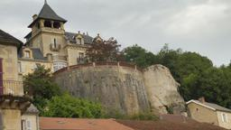 Le château de Montignac-24. Source : http://data.abuledu.org/URI/5994e9fd-le-chateau-de-montignac-24