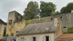 Le château de Montignac-24. Source : http://data.abuledu.org/URI/5994ea0c-le-chateau-de-montignac-24