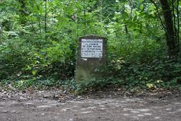 Le Chemin de Jean Racine à Chevreuse. Source : http://data.abuledu.org/URI/524f2bd8-le-chemin-de-jean-racine-a-chevreuse