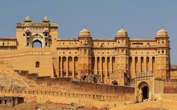 Le Fort Amber en Inde. Source : http://data.abuledu.org/URI/58cdec22-le-fort-amber-en-inde