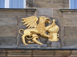 Le griffon pharmacien de Bayreuth. Source : http://data.abuledu.org/URI/51a87de1-le-griffon-pharmacien-de-bayreuth