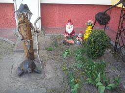 Le jardin des nains. Source : http://data.abuledu.org/URI/560f59c3-le-jardin-des-nains