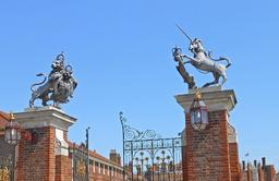 Le lion et la licorne de Hampton Court. Source : http://data.abuledu.org/URI/5102f488-le-lion-et-la-licorne-de-hampton-court