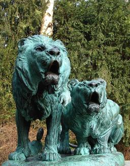 Le lion et la lionne de Copenhague. Source : http://data.abuledu.org/URI/59181234-le-lion-et-la-lionne-de-copenhague