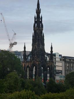 Le monument de Sir Walter Scott à Édimbourg. Source : http://data.abuledu.org/URI/55df6ca2-le-monument-de-sir-walter-scott-a-edimbourg