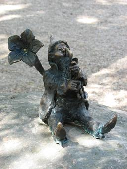 Le nain botaniste. Source : http://data.abuledu.org/URI/51e70c48-le-nain-botaniste