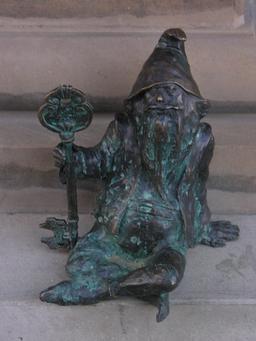 Le nain gardien. Source : http://data.abuledu.org/URI/51e83f5a-le-nain-gardien