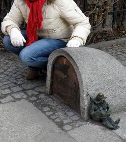 Le nain gardien. Source : http://data.abuledu.org/URI/51e840b4-le-nain-gardien