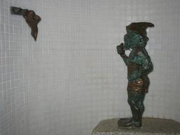Le nain maître-nageur. Source : http://data.abuledu.org/URI/51eb0dab-le-nain-maitre-nageur