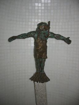 Le nain plongeur de Wroclaw. Source : http://data.abuledu.org/URI/51e7060a-le-nain-plongeur-de-wroclaw
