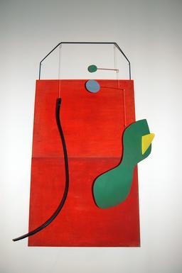 Le panneau rouge de Calder. Source : http://data.abuledu.org/URI/541e90b1-le-panneau-rouge-de-calder