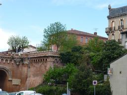 Le pont des consuls à Montauban. Source : http://data.abuledu.org/URI/571a93d7-le-pont-des-consuls-a-montauban