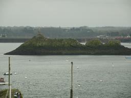 Le Rocher de Bizeux en Bretagne. Source : http://data.abuledu.org/URI/5357dc0e-le-rocher-de-bizeux