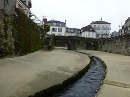 Le Saleys canalisé à Salies-de-Béarn. Source : http://data.abuledu.org/URI/58662138-le-saleys-canalise-a-salies-de-bearn