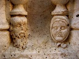 Le sauvage et le civilisé. Source : http://data.abuledu.org/URI/5070a66a-le-sauvage-et-le-civilise