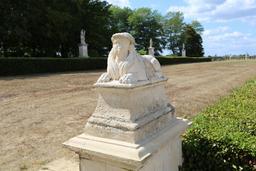 Le sphinx et les trois saisons. Source : http://data.abuledu.org/URI/50463535-le-sphinx-et-les-trois-saisons