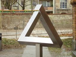Le triangle impossible d'Escher. Source : http://data.abuledu.org/URI/54b583d5-le-triangle-impossible-d-escher