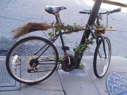 Le vélo balai. Source : http://data.abuledu.org/URI/531366b0-le-velo-balai