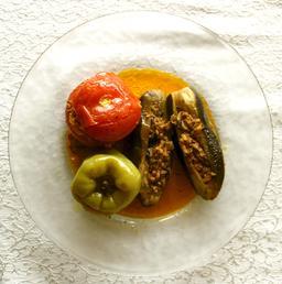 Légumes farcis en Arménie. Source : http://data.abuledu.org/URI/548f385f-legumes-farcis-en-armenie