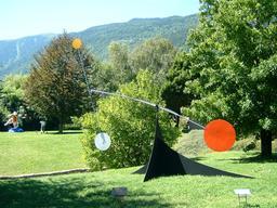 Les cercles de Calder en Suisse. Source : http://data.abuledu.org/URI/541ea44e-les-cercles-de-calder-en-suisse