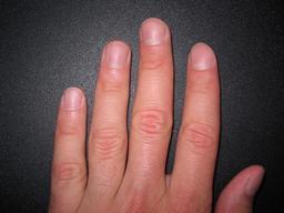 Les cinq doigts de la main gauche. Source : http://data.abuledu.org/URI/53988cd3-les-cinq-doigts-de-la-main-gauche