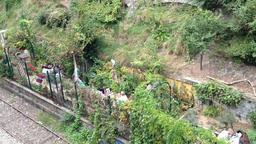 Les jardins du ruisseau à Paris. Source : http://data.abuledu.org/URI/542028e2-les-jardins-du-ruisseau-a-paris