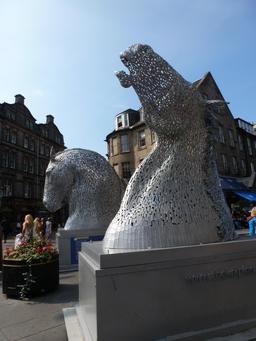 Les kelpies d'Andy Scott. Source : http://data.abuledu.org/URI/55df7639-les-kelpies-d-andy-scott