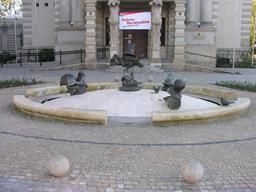 Les nains de la fontaine. Source : http://data.abuledu.org/URI/51eb0c2c-les-nains-de-la-fontaine