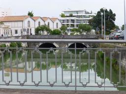 Les ponts de La Rochelle. Source : http://data.abuledu.org/URI/5821bf24-les-ponts-de-la-rochelle