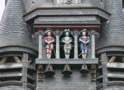 Les trois cloches du carillon de Compiègne. Source : http://data.abuledu.org/URI/502f9410-les-trois-cloches-du-carillon-de-compiegne