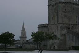 Les trois tours de La Rochelle. Source : http://data.abuledu.org/URI/582621d2-les-trois-tours-de-la-rochelle