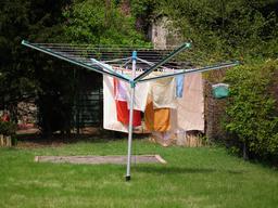 Lessive de torchons et serviettes. Source : http://data.abuledu.org/URI/52d84d31-lessive-de-torchons-et-serviettes