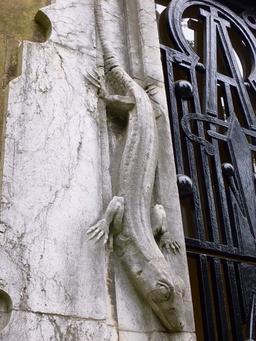 Lézard en pierre. Source : http://data.abuledu.org/URI/535cd05b-lezard-en-pierre