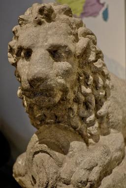 Lion à l'urne fluente au musée de Dijon. Source : http://data.abuledu.org/URI/56cee2bc-lion-a-l-urne-fluente-au-musee-de-dijon