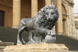Lion Médicis en Angleterre. Source : http://data.abuledu.org/URI/58546dcb-lion-medicis-en-angleterre