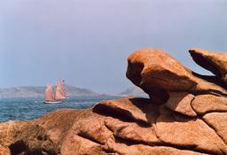 Littoral granitique. Source : http://data.abuledu.org/URI/50954b98-littoral-granitique