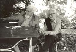 Lorenz et Tinbergen. Source : http://data.abuledu.org/URI/51eec132-lorenz-et-tinbergen