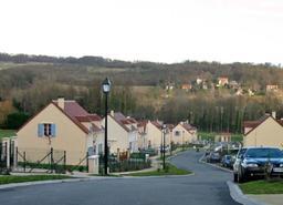 Lotissement pavillonnaire dans les Yvelines. Source : http://data.abuledu.org/URI/56c66305-lotissement-pavillonnaire-dans-les-yvelines