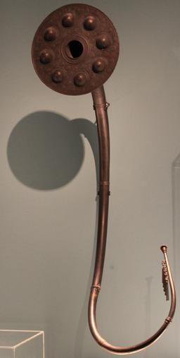 Lur en bronze danois. Source : http://data.abuledu.org/URI/533c24b5-lure-brudevaelte-anagoria