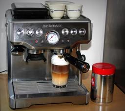 Machine à café. Source : http://data.abuledu.org/URI/54c79c4e-machine-a-cafe