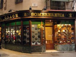Magasin de chapeaux à Barcelone. Source : http://data.abuledu.org/URI/532dc2cb-magasin-de-chapeaux-a-barcelone