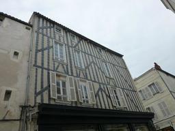 Maison à colombage à La Rochelle. Source : http://data.abuledu.org/URI/5821c0ee-maison-a-colombage-a-la-rochelle