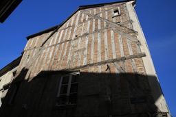 Maison à étages à pans de bois à Amboise. Source : http://data.abuledu.org/URI/55cc5d06-maison-a-etages-a-pans-de-bois-a-amboise