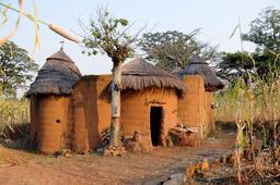 Maison à Koussoukoingou au Bénin. Source : http://data.abuledu.org/URI/54d3e36d-maison-a-koussoukoingou-au-benin