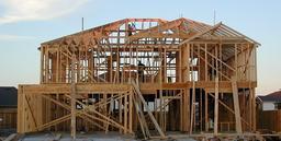 Maison à ossature bois. Source : http://data.abuledu.org/URI/51c21dbb-maison-a-ossature-bois