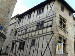 Maison à ossature bois à Bordeaux. Source : http://data.abuledu.org/URI/59075917-maison-a-ossature-bois-a-bordeaux