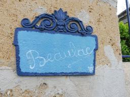 Maison Beaulac à Illats. Source : http://data.abuledu.org/URI/58dae00a-maison-beaulac-a-illats
