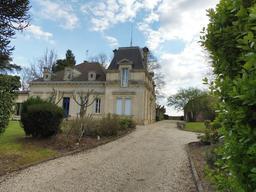 Maison Beaulac à Illats. Source : http://data.abuledu.org/URI/58dadf92-maison-bernac-a-illats