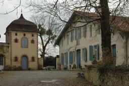 Maison capcazalière en Chalosse. Source : http://data.abuledu.org/URI/536b9816-maison-capcazaliere-en-chalosse